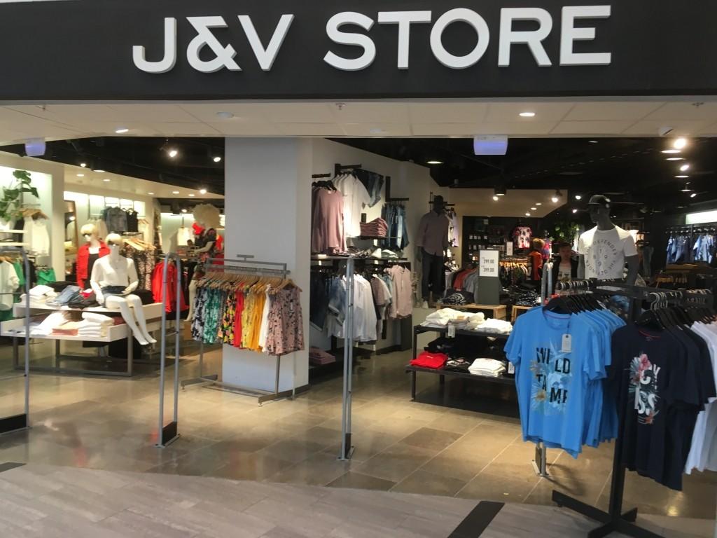 J&v store, Överby, Trollhättan